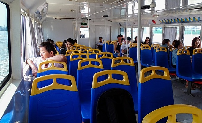 On a typical weekday, the 75-seater boat serves only a third of its capacity. Photo by VnExpress/Ha An.