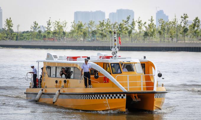 Saigon River bus not convenient enough to lure commuters