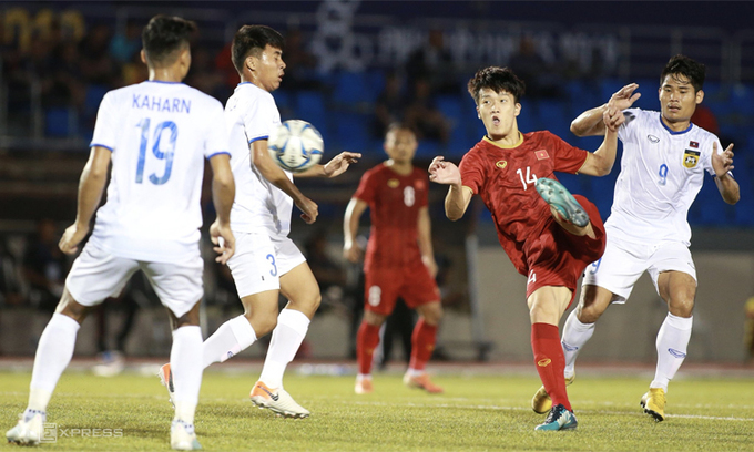 SEA Games: Laos goal irks Vietnam coach despite handsome win