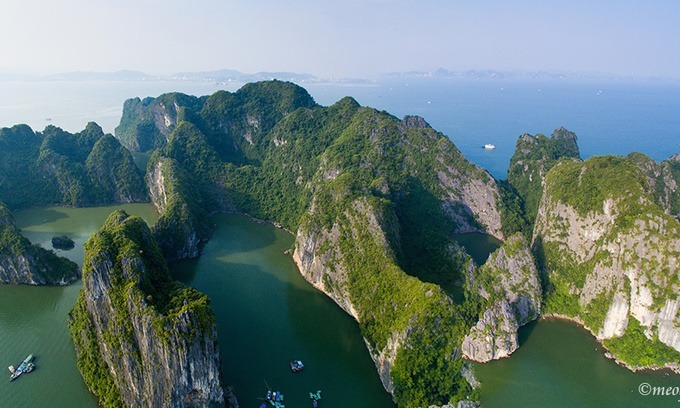 Ha Long Bay, one of the famous natural wonders in the world, is captured from above. Photo by VnExpress/Meo Gia.
