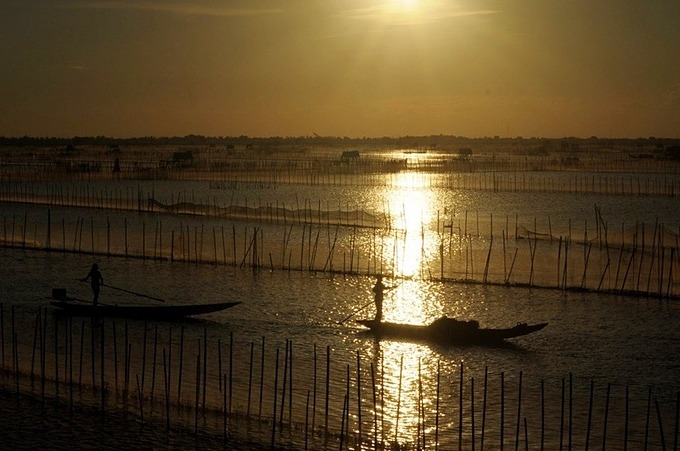Fishing is the main vocation of the lagoon's residents who live in their boats all year round.