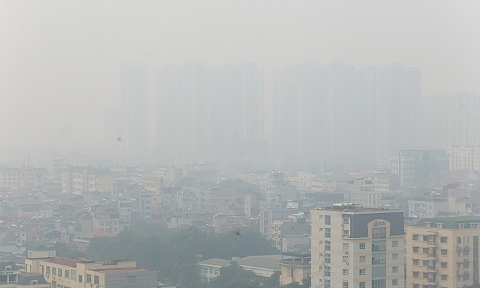 Hanoi air quality persists at unhealthy levels