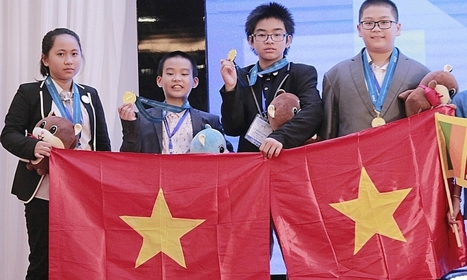 Vietnam scores record gold tally at int'l science, math contest