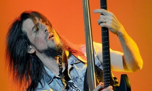 Former Guns N' Roses axeman to rock Vietnam