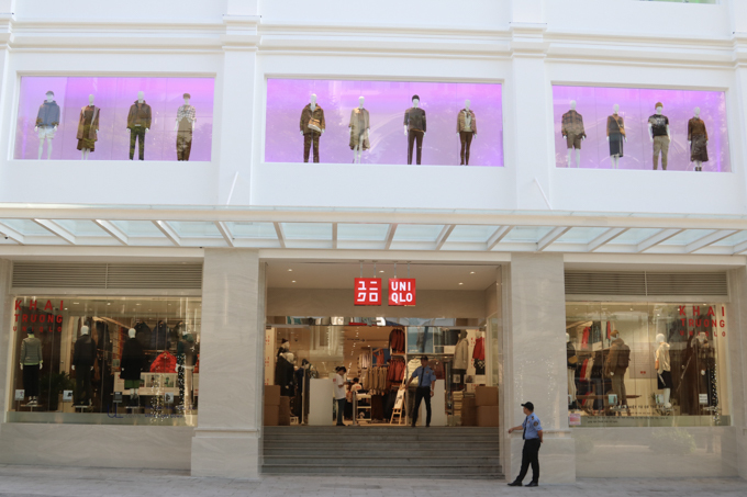 The facade of the Uniqlo store in District 1 . Photo by VnExpress/Hoang Huy.