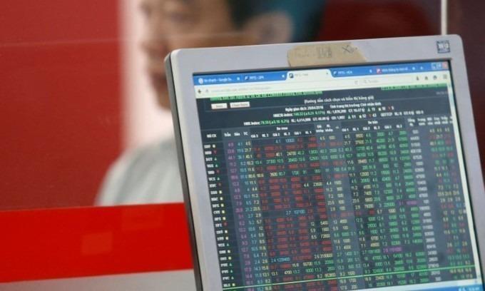 Blue chips nudge VN-Index upwards