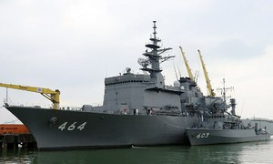 Two Japanese navy vessels conduct friendly sweep of Da Nang