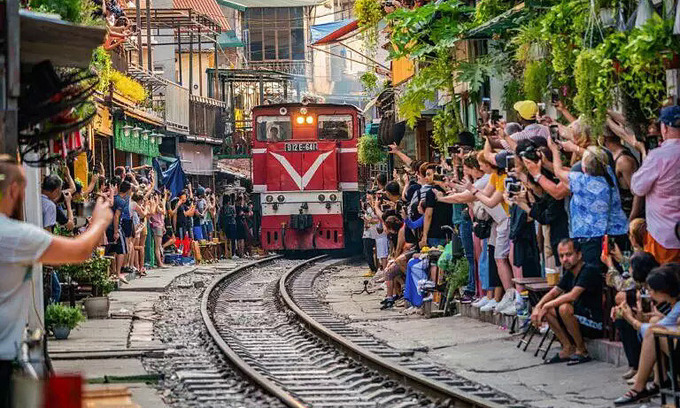 Hanoi Train Street off track as a global destination