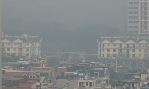 Very unhealthy Hanoi air quality evokes calls for emergency measures