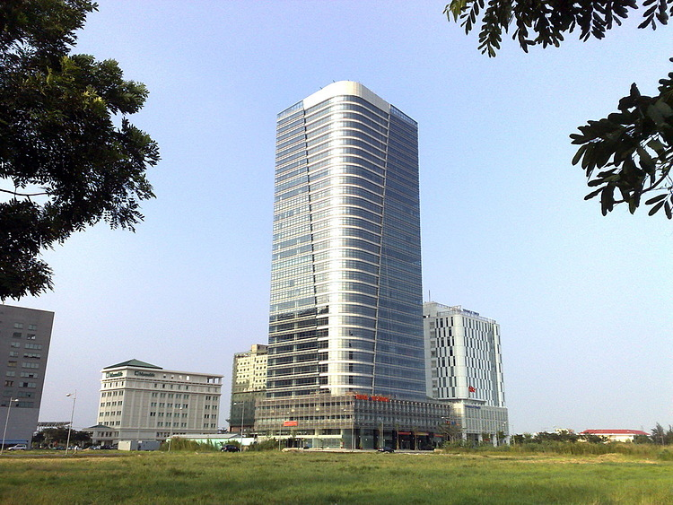 The PetroLand Tower in HCMCs District 7. Photo courtesy of PetroLand.