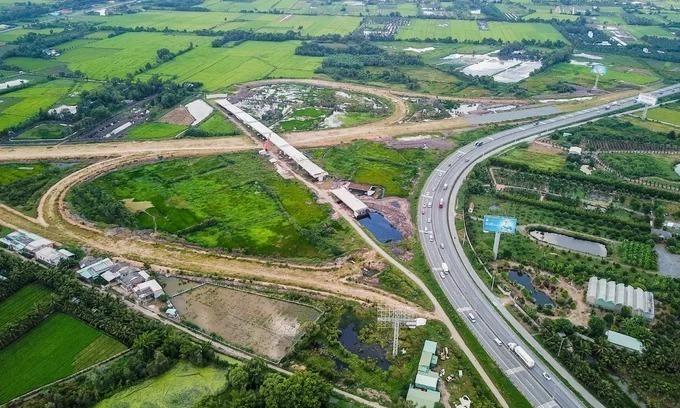 Long-delayed key southern expressway exits financial bottleneck