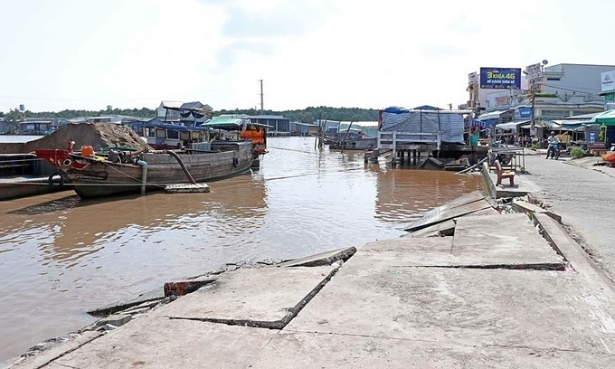 Vietnam's southernmost province steadily loses land to erosion