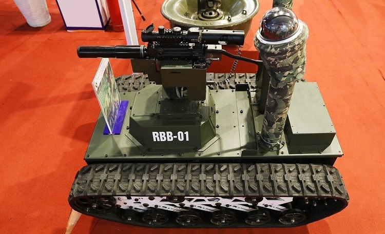 The RBB-01 is a surveillance robot working at 50-m range with firepower, with both single-shot and continuous shooting mechanisms.The Viet Bac Exhibition 2019 is among many events hosted by the Ministry of National Defense to commemorate 30 years of the National Defense Day and 75 years of People's Army of Vietnam (December 22). It will remain open to the public until Wednesday.