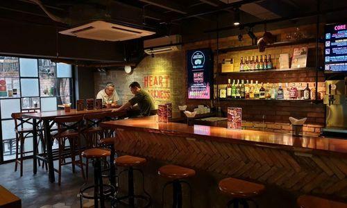 Saigon's eclectic bar scene