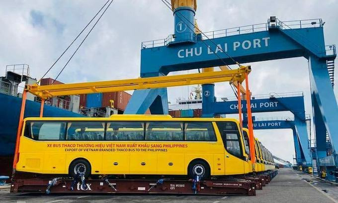 Vietnamese automaker ships buses to Philippines