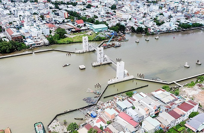 Phu Xuan Floodgate in District 7, one of six floodgates in Ho Chi Minh Citys anti-flooding project. Photo by VnExpress/Le Chi.