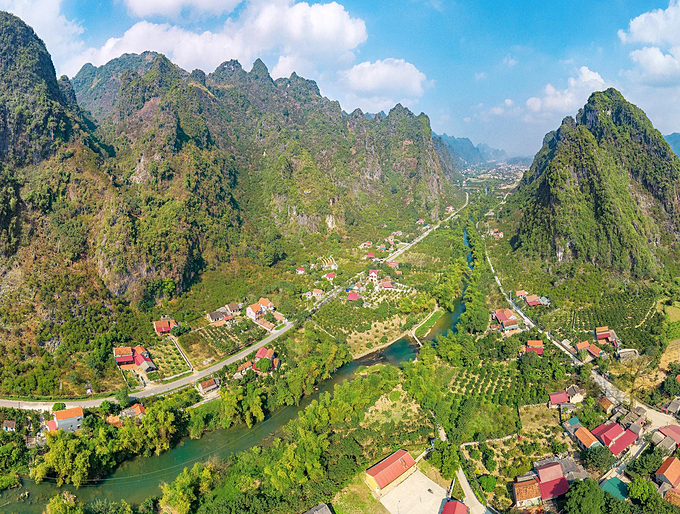 Chi Lang Passage in Lang Son Province used to be a strategic bulwark for Vietnam and now boasts tourist attractions. Photo by Bui Vinh Thuan