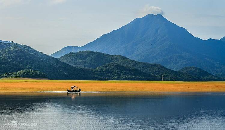 I have come here a few times and have different feelings about it after every visit, photographer Nguyen Tien Trinh, a Quy Nhon city resident who took the pictures, said. I love nature, and when I inhale the sweet fragrance of the grass, all my sorrows evaporate.
