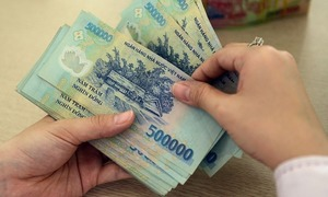 Australian man caught robbing Saigon language center