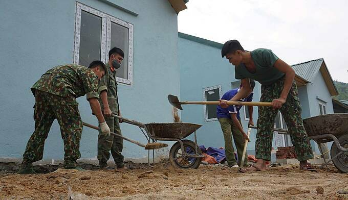 Some army soldiers in the region were hailed for help with the construction.