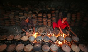 Northern Vietnam village braises it up with traditional fish pot