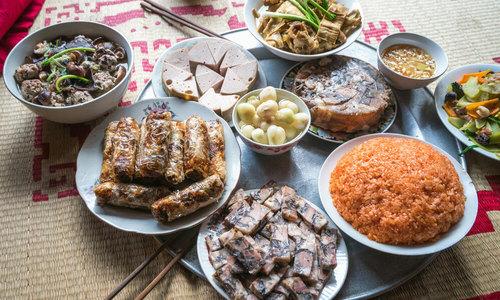 Vietnam mixing pot of Tet taste