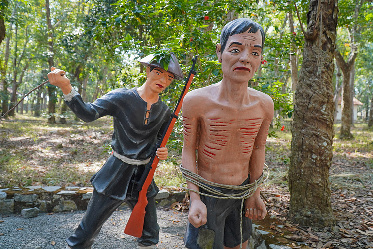 Many workers stood up to the wretched conditions and cruel treatment at the plantation. In 1936, thousands of villagers stood up to the rulers, but not all were successful. Nevertheless, the resistance marked the growth of the worker movement in Dau Tieng.