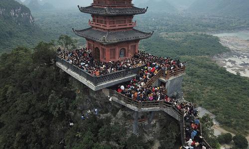 Vietnam's largest pagoda complex beckons spring pilgrims