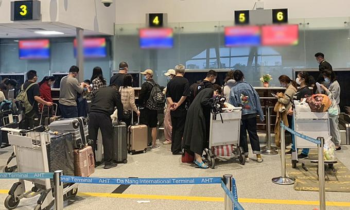 Vietnam stops flying to coronavirus-stricken areas in China