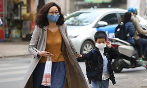Hanoians take action against Wuhan pneumonia