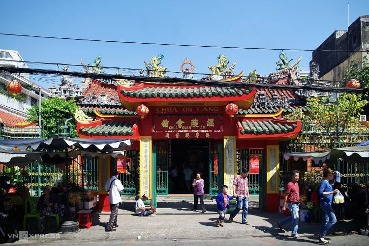 The pagoda, located on Lao Tu Street of Saigon's District 5, was built by businesspeople from Chinas Fujian Province who arrived late 17th century and settled in Cho Lon quarter. Construction of the pagoda now dedicated to Chinese Sea Goddess Mazu began in 1740. Initially intended for community gatherings, the establishment became a formal pagoda engaged in spiritual activities. Locals flock to the pagoda in the last month the lunar year to pray and participate in several rituals.