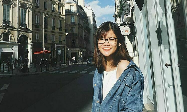 Vietnamese woman Ngan Linh on the street of Paris. Photo by Ngan Linh.