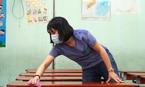 4 million Hanoi, Saigon students get a week off