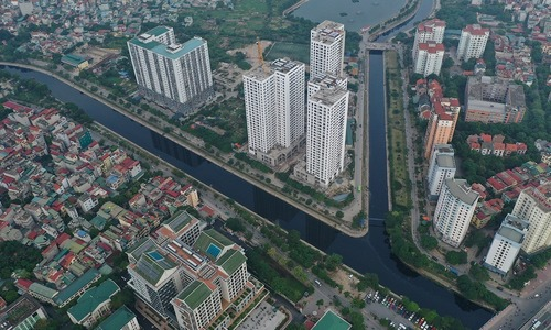 Hanoi plans sewer system under polluted To Lich River