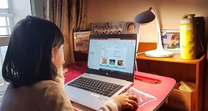 Schools resort to online tuition amid coronavirus fears