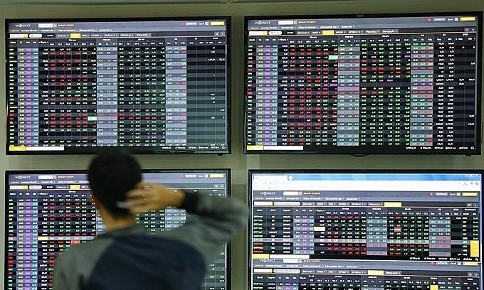 Blue chips lead stock market surge