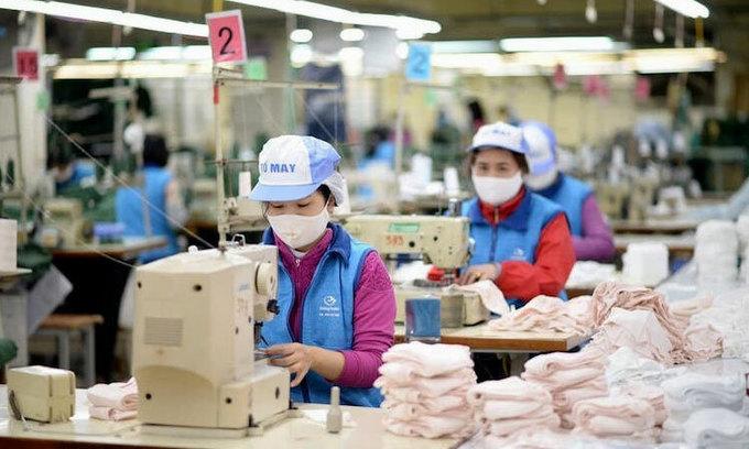 Vietnam mulls scrapping import tariffs on face masks