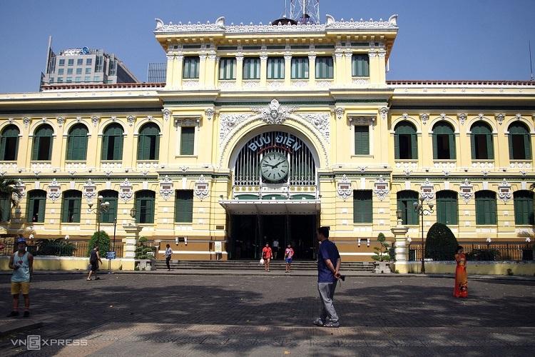 Saigon travel destinations less busy as coronavirus looms - 5