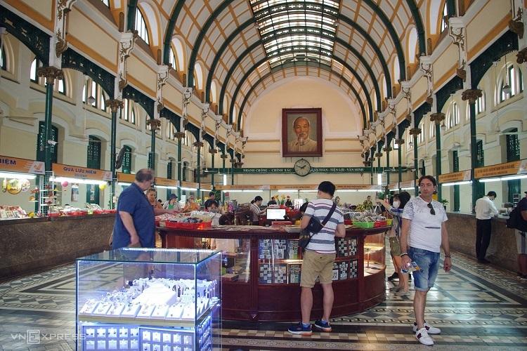 Saigon travel destinations less busy as coronavirus looms - 6