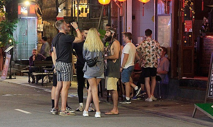 Hue closes pedestrian zone over coronavirus fears