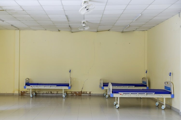 Spare rooms are reserved in case of a major outbreak. They could provide 20 beds extra. Those who are quarantined here and exhibit severe symptoms could be transferred to another hospital for treatment.