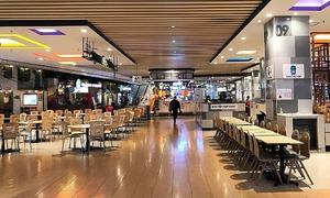 Coronavirus fears turn Hanoi shopping malls into deserted places