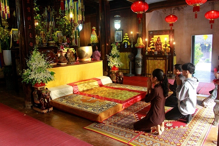 It has become a popular destination for visitors in Hue and a spiritual site for Buddhist devotees to pray during the full moon of each month and major festivals.