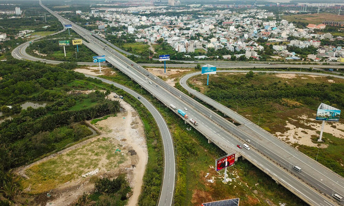 Vietnam to build $400 mln Vung Tau expressway