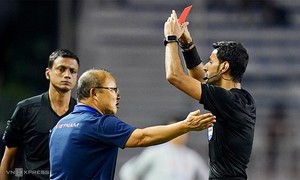 Coach Park fined $5,000 for SEA Games red card