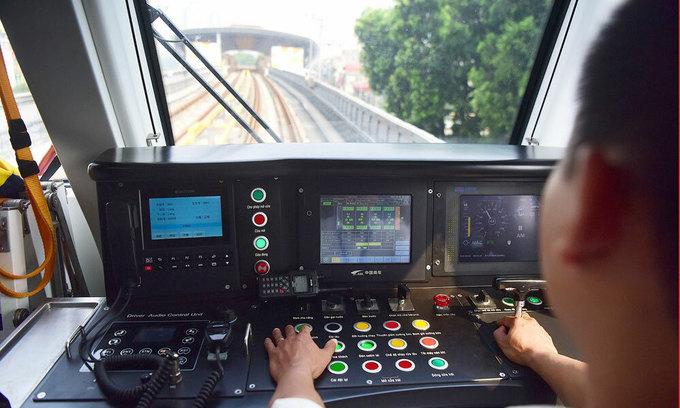 Hanoi metro trial run postponed on Chinese experts' inability to return