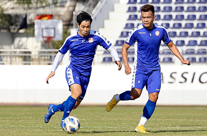 Nguyen Cong Phuong (L) in training before playing his first game in AFC Cup. Photo courtesy of HCMC FC.