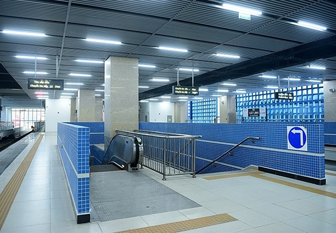 The interiors of the stations that the Cat Linh-Ha Dong metro line runs through are completed. Photo by VnExpress/Giang Huy