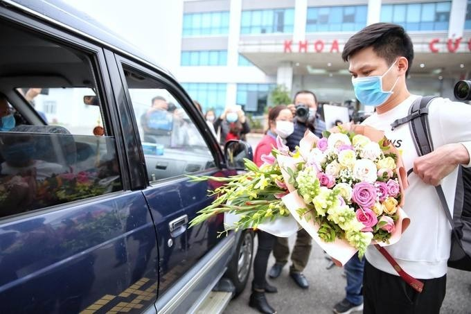 The only man discharged from hospital on February 10, 2020. Photo by VnExpress/Giang Huy.