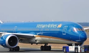 Vietnam Airlines loses up to $10.8 million a week to Covid-19